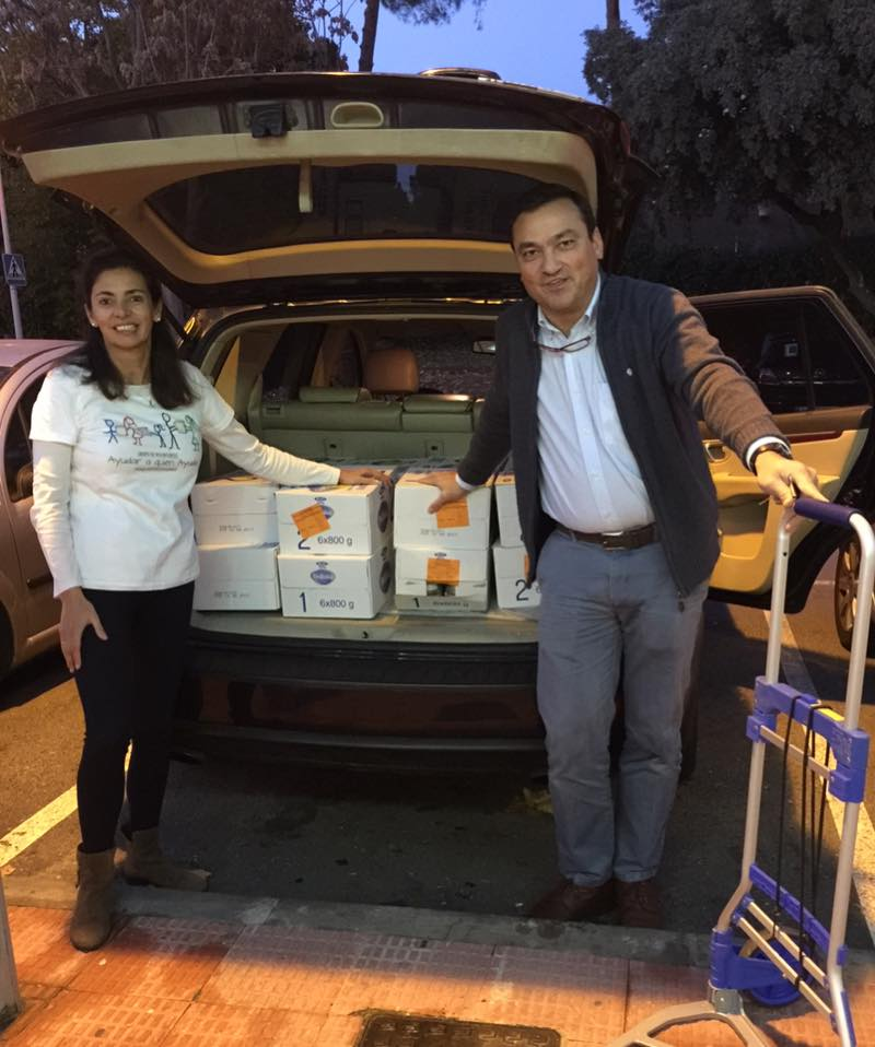 Donación del Centro Comercial El Castillo a Aaqua